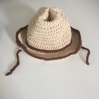 virkad hatt bebis barn cowboyhatt mössa present mönster crochet hat baby