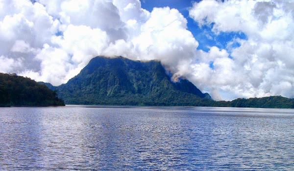 Danau Gunung Tujuh, Kerinci, Jambi (Gambar 1). ZonaAero