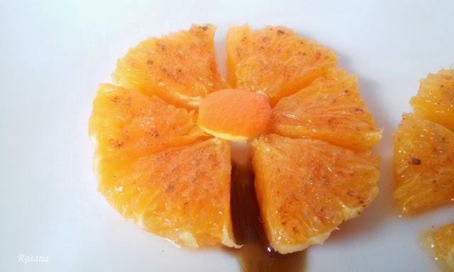 naranja preparada en forma de flor