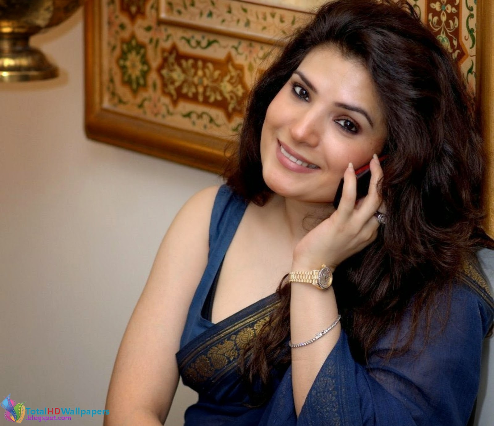career resham started her acting career on televison in 1990 she debuted with syed noor s film jeeva in 1995 and later went on to star in a string of