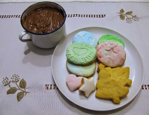 Taza de chocolate con galletas