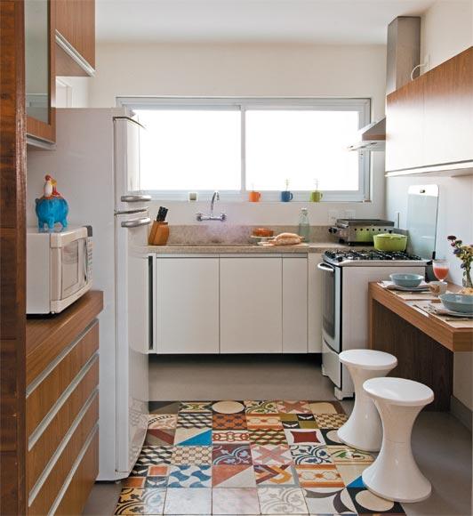 Patchwork Tapete Cozinha : , foi feito como se tivesse um tapete no piso, ficou muito legal