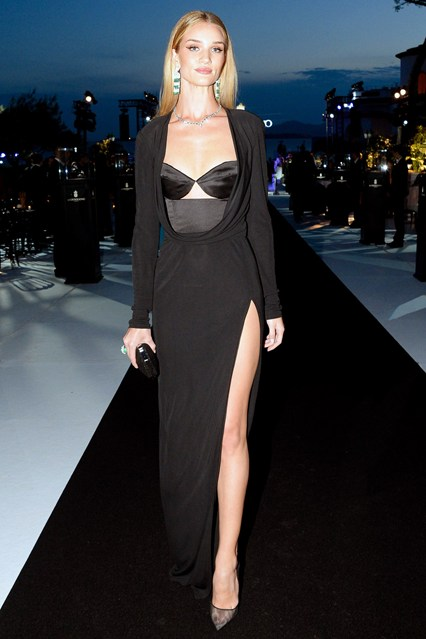 Rosie Huntington-Whiteley in a Cushnie Et Ochs dress and carried a Salvatore Ferragamo clutch at Cannes 2014