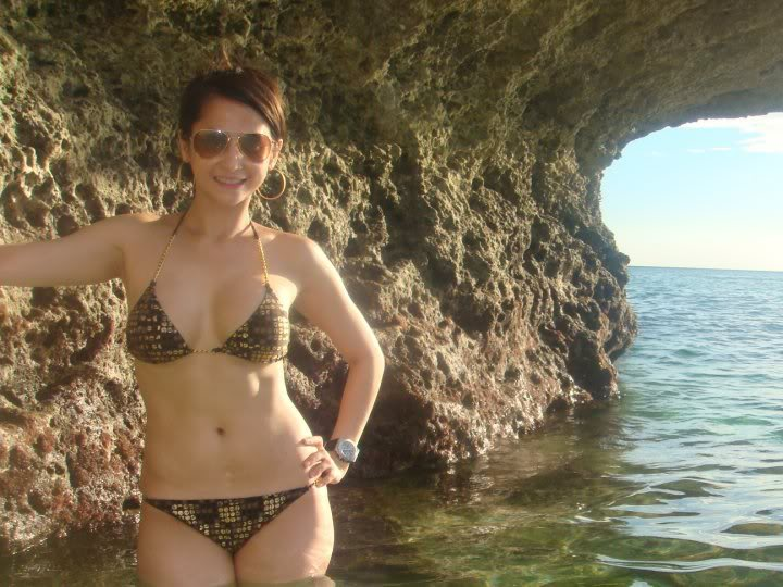 sexy filipina in bikini 08