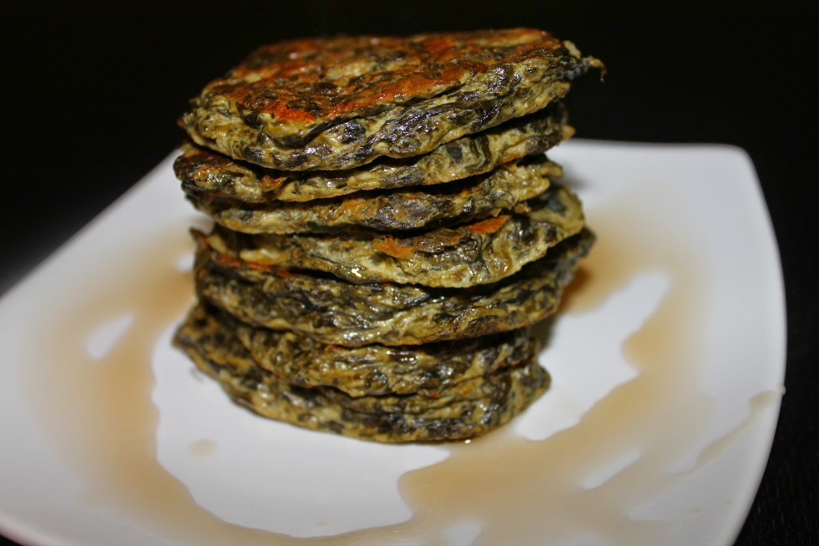 Not so ordi nanny me spinach pancakes i know i knoween pancakesnda crazy right too bad i didnt think of them for st patricks day these are so tasty you can make them savory or ccuart Image collections