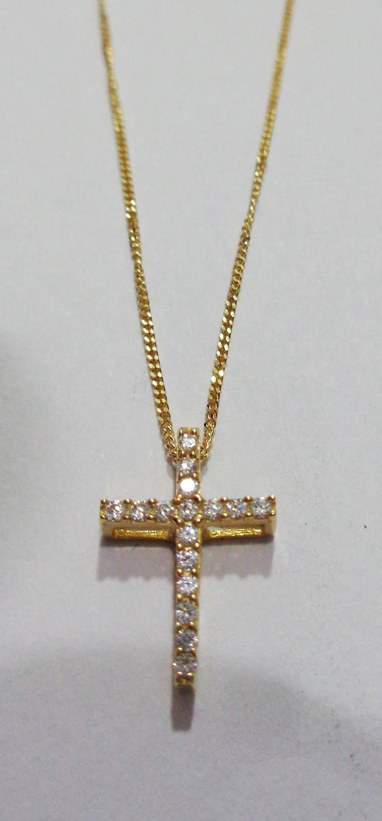 Gargantilla de oro con cruz de circonitas