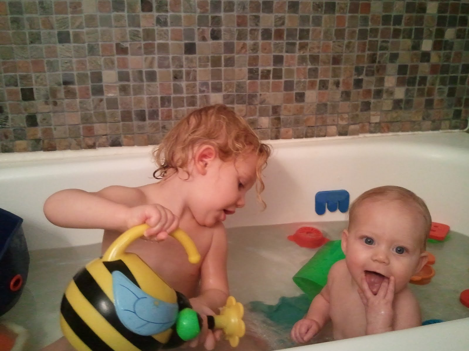 Kira & Elise Cook: Bath Time