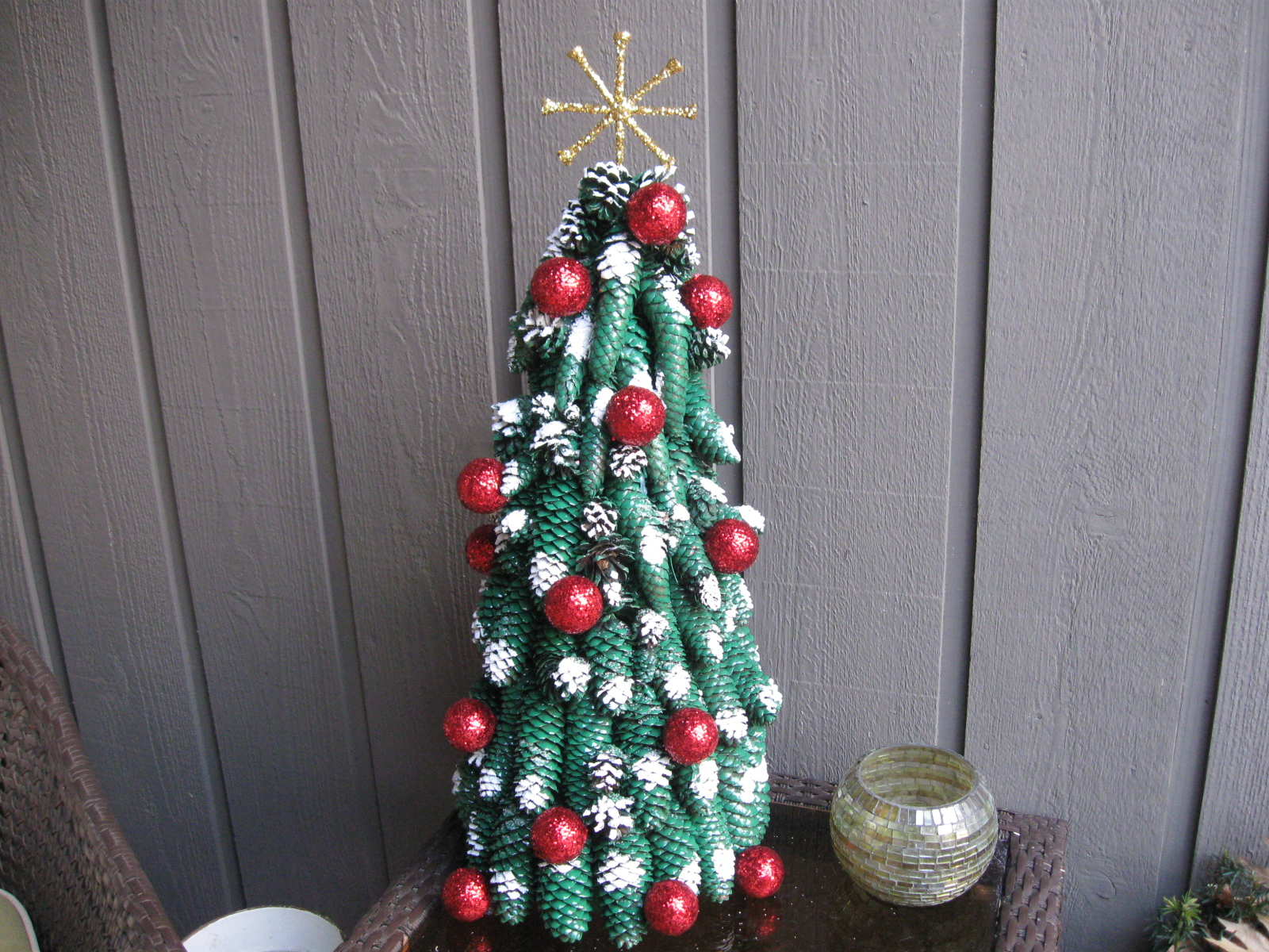Craft klatch pine cone christmas tree craft tutorial for Pine cone christmas ornaments crafts