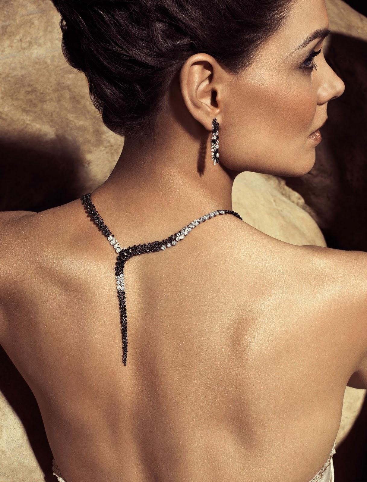 http://2.bp.blogspot.com/-FI8ZvR-EgOU/Tx1gZpbm2cI/AAAAAAAAArY/8kQ7-wueXGM/s1600/Katie-Holmes-Jewelry-H.-Stern.jpg