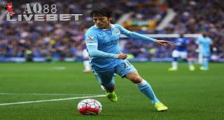 Liputan Bola - Manchester City harus menunggu lebih lama lagi untuk bisa kembali menurunkan David Silva.