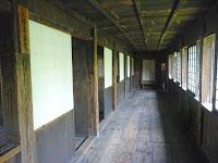旧校舎、2階の廊下。