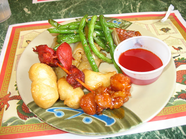 Sweet and Sour Chicken, General Tso's chicken, Chow hou fun, String beans, Thai chicken.