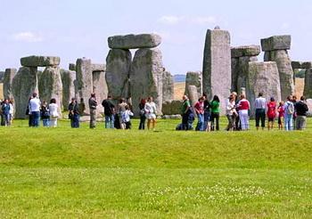 Tempat Wisata terkenal di dunia Stonehenge Inggris