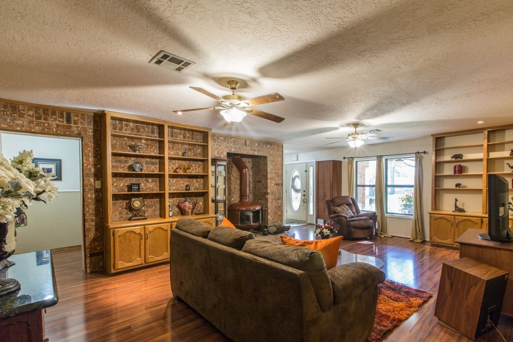 8 Waco Homes That Fixer Upper Should Totally Take On Crackerjack23