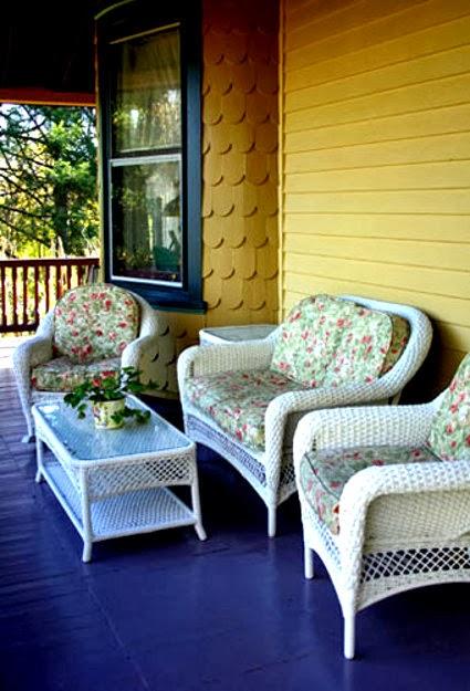 Restore rattan furniture garden park for Recover wicker furniture