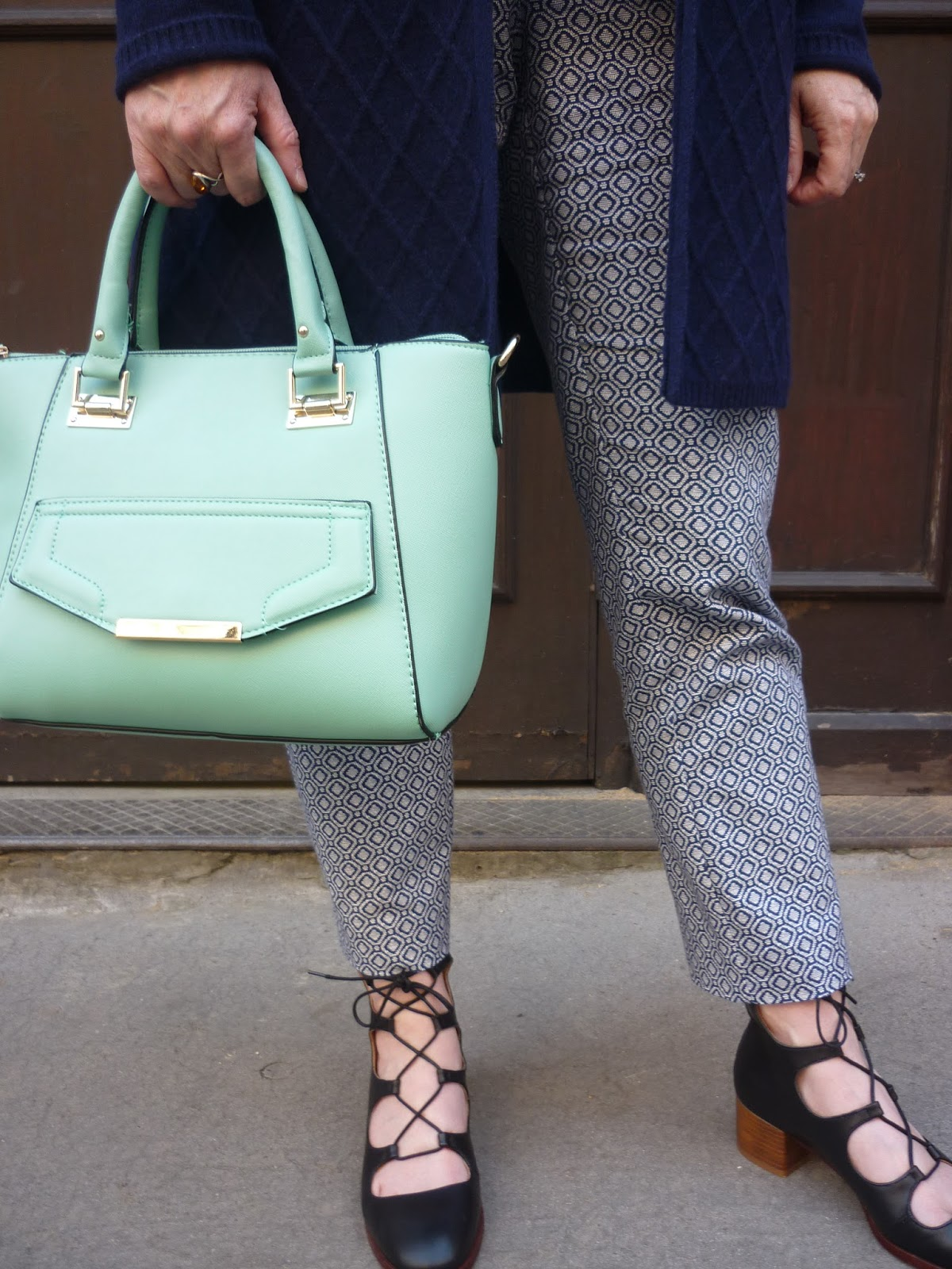 Patterned Trousers & Mini Mint Tote | Petite Silver Vixen