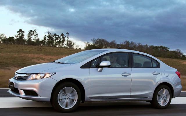 Honda Civic LXS Automático 2014 - prata