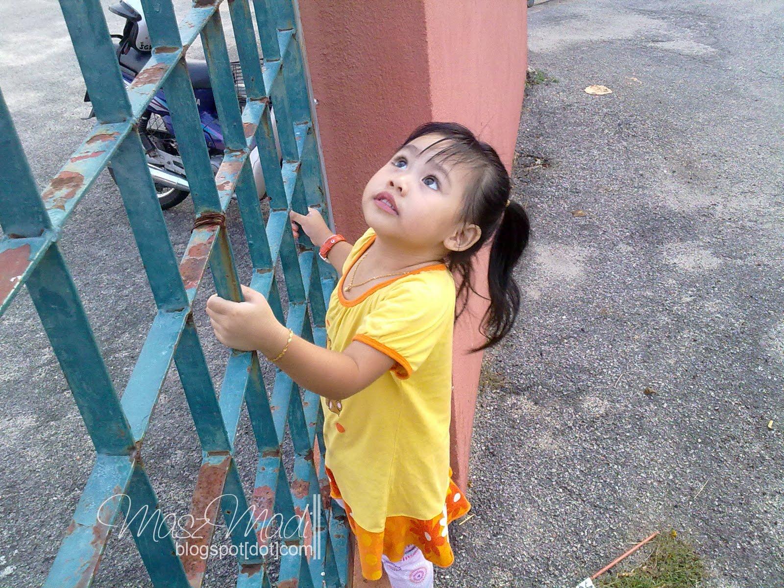 Si Blogger Mama September 2011 Soul Out Utusan1 Wah Cubaan Untuk Memanjat Lagi Tinggi Tapi Aku Menghalang Takut2 Ada Sesuatu Yang Tidak Dikehendaki Berlaku