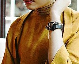 Koleksi Busana Muslimah Hana Tajima Berkolaborasi Dengan Uniqlo