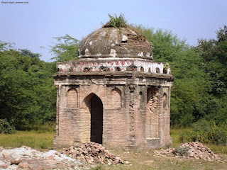 http://sites.google.com/site/lucknowtravelguide/vilayati-bagh-lucknow