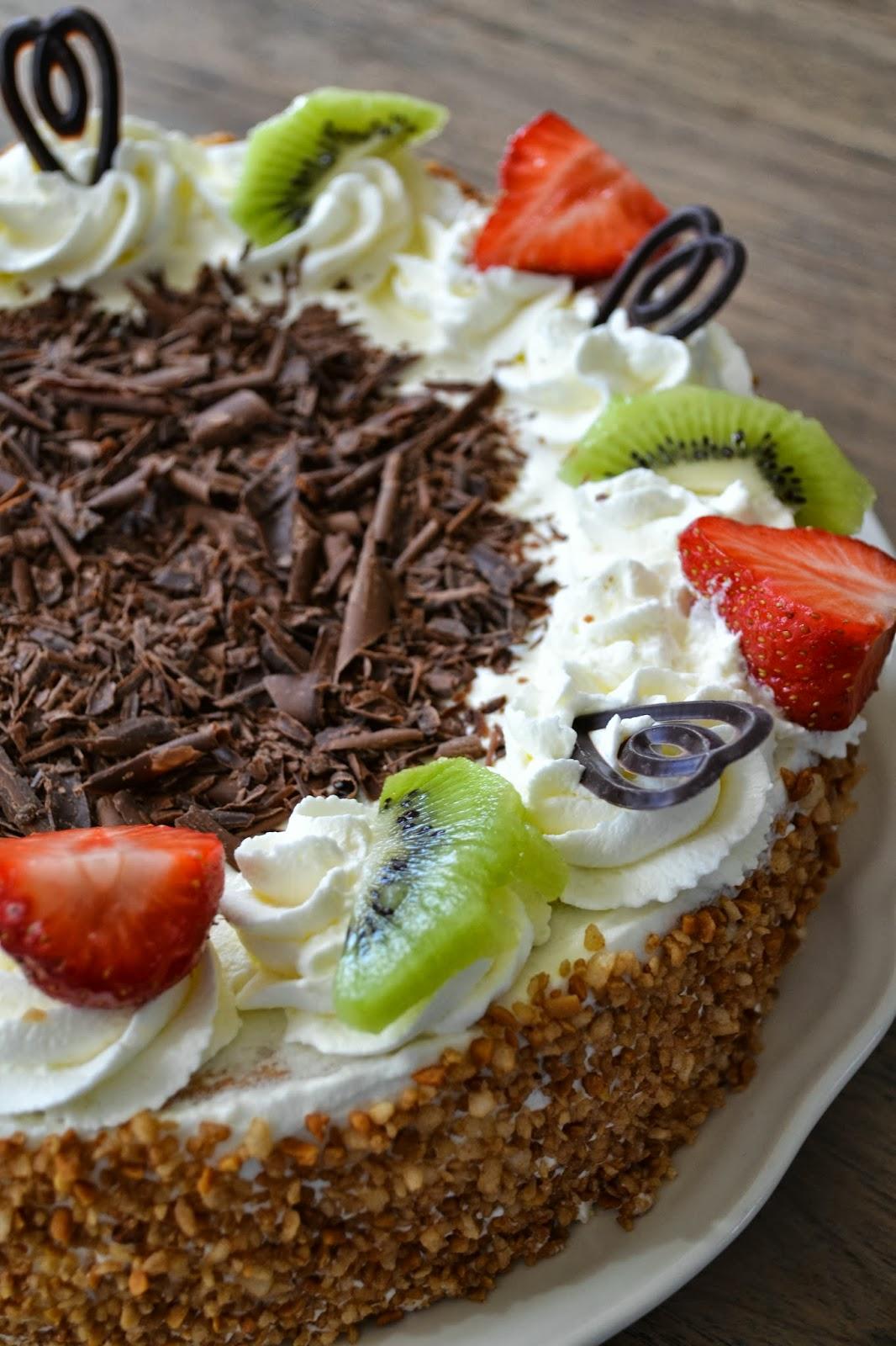 Dutch Whipped Cream Cake | A Dutchie Baking