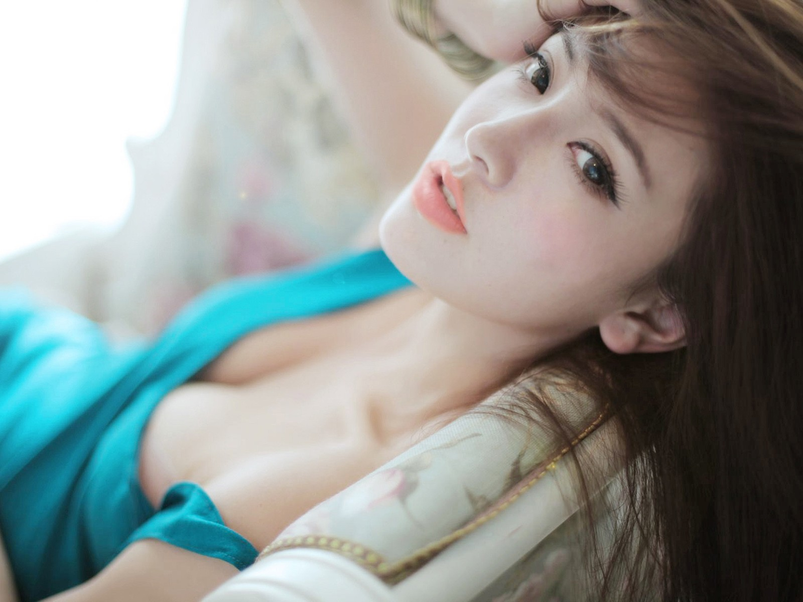 http://2.bp.blogspot.com/-FJqhX_HOBkY/UXwMNj8ojtI/AAAAAAAALUc/dZ0w11TqXmA/s1600/zhao-yu-fei-wallpaper.jpg