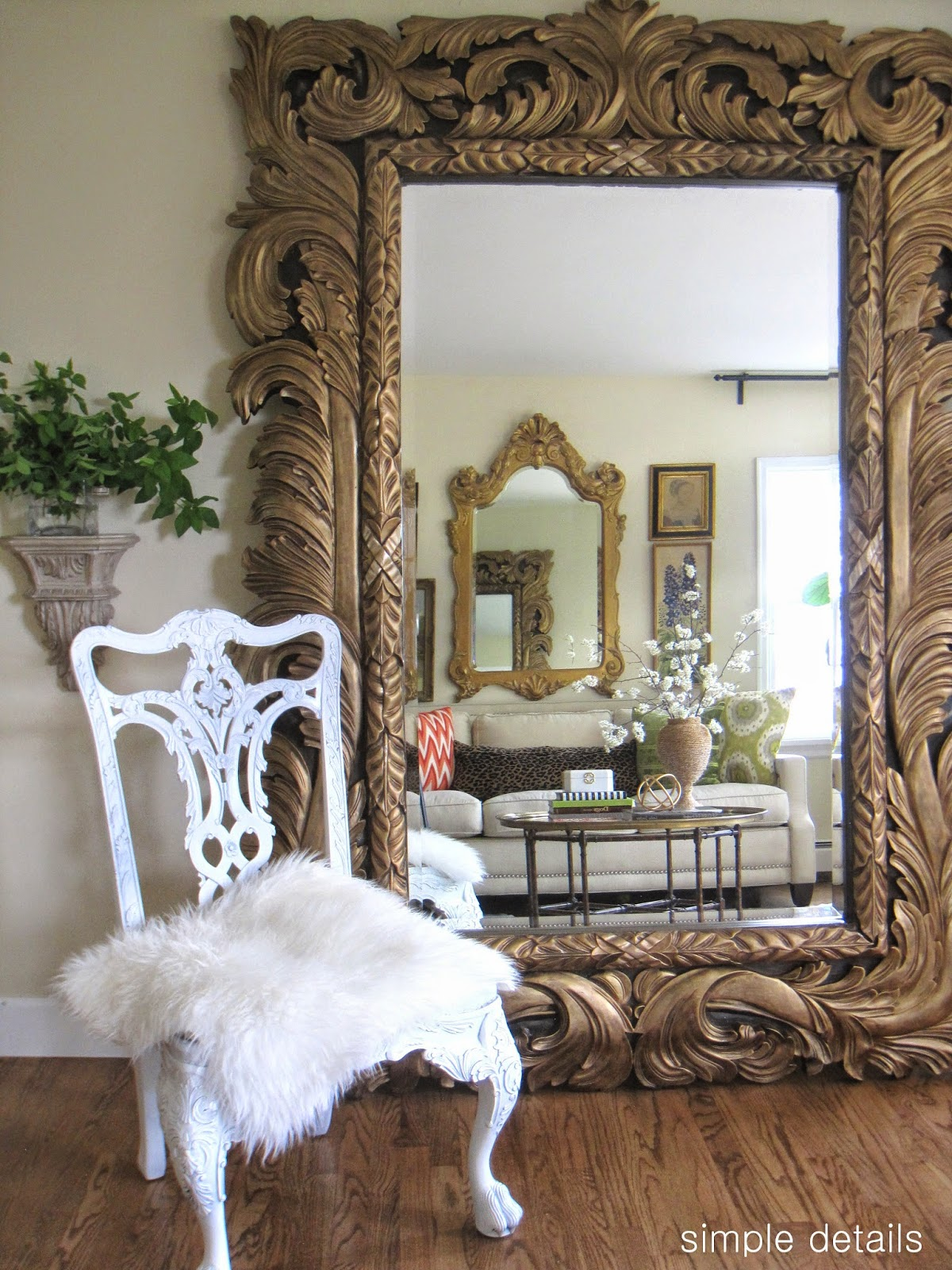 Floor Mirror In Living Room - [mariorange.com]