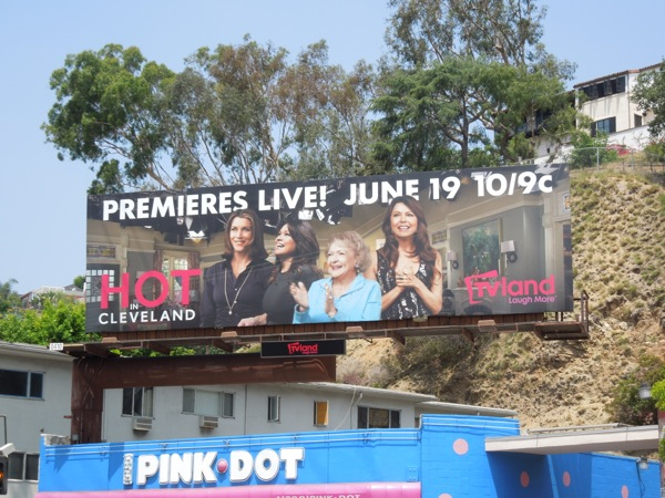 Hot in Cleveland live season 5 billboard