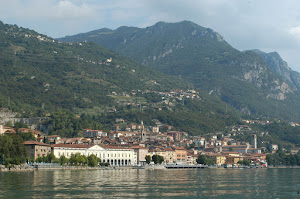 Lovere, ripresa dal lago d&#39;iseo
