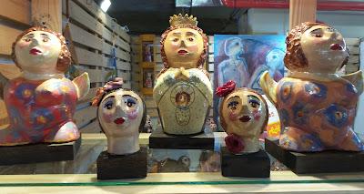 Iara Tenório, arte com cerâmica e vidro; artesã; artesão; artista plástico;  artesanato; feira; arte popular; lazer.