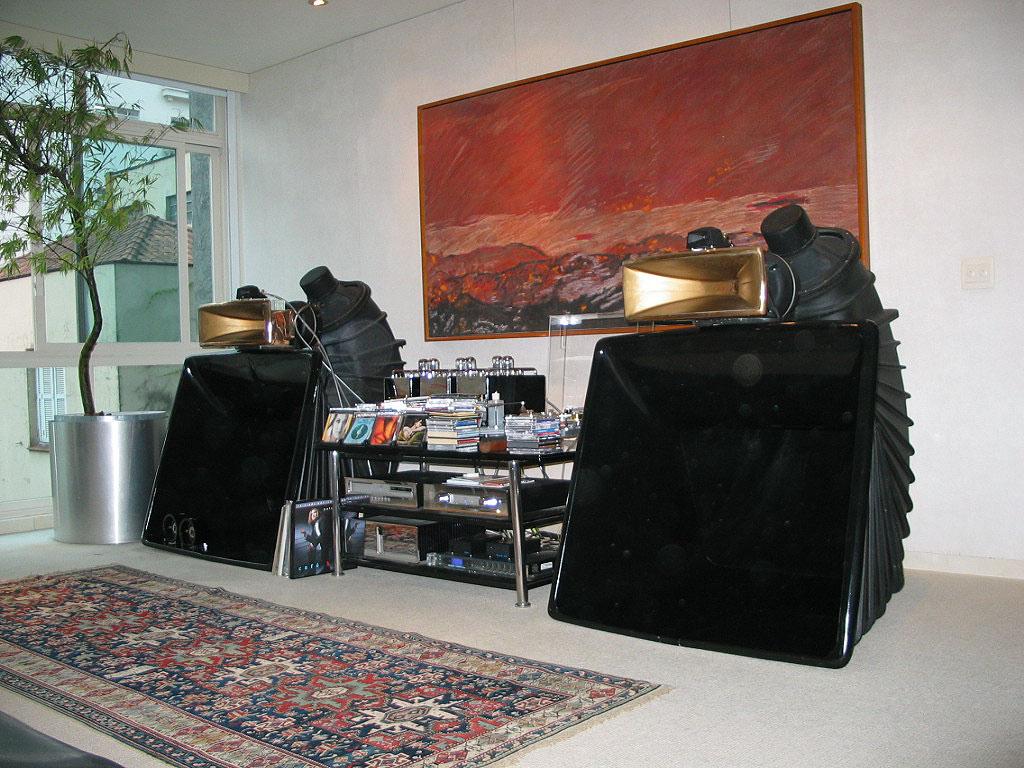 Modern Hifi retro vintage modern hi fi horn system ident