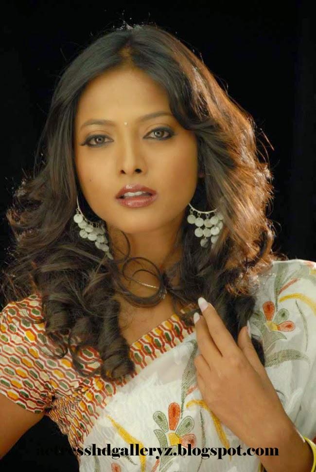 S, Smitha, Smitha Hot pics, Kannada actress, Actress HD Photo Gallery, HD Actress Gallery, latest Actress HD Photo Gallery, Latest actress Stills, Actress, Indian Actress, Hot Images, Smitha - Kiladi Kitty Kannada Movie Hot  images
