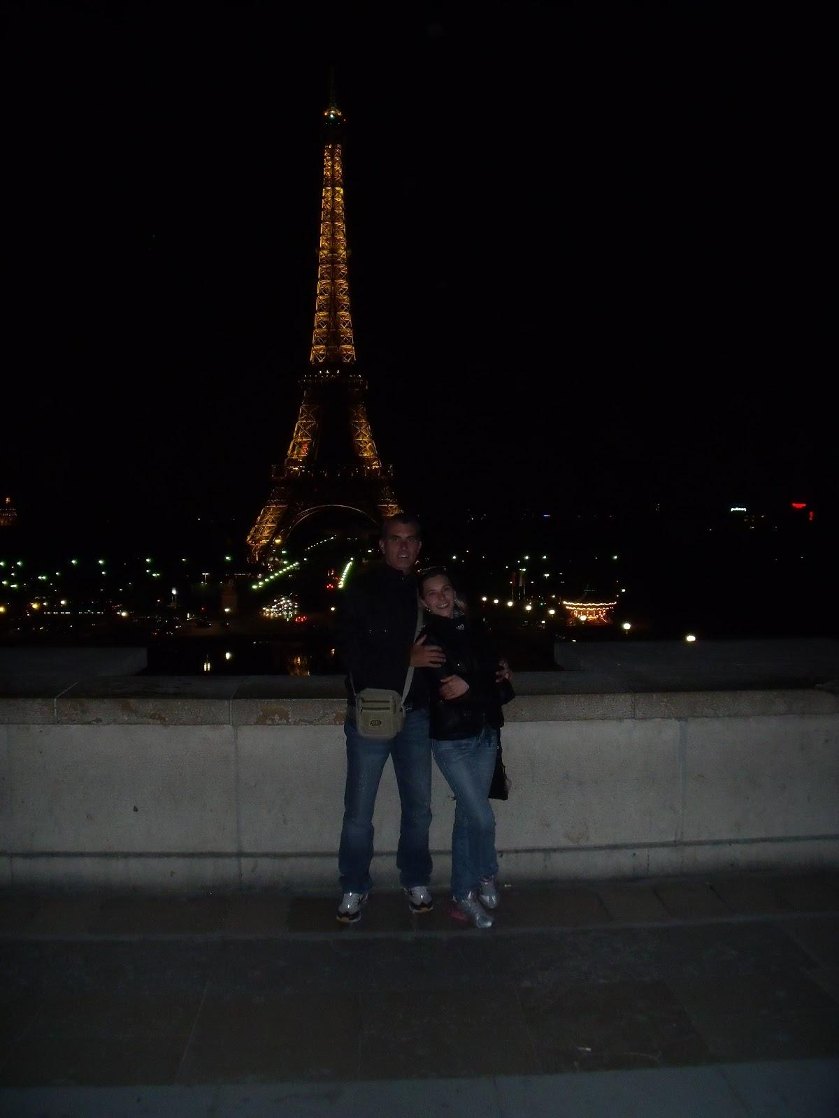 http://2.bp.blogspot.com/-FKkMwKuQr1k/ThtoVe2v86I/AAAAAAAAANg/31yd74zelTQ/s1600/Europa+734+Tour+Eiffel.jpg