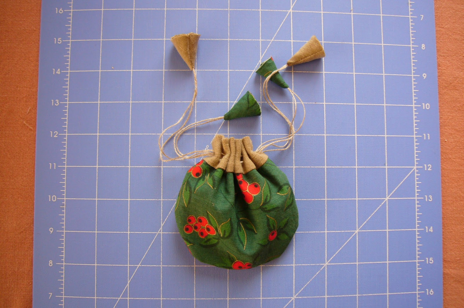 how to make a pouch bag with drawstrings