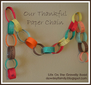 celebrating thankfulness with a thankful paper chain