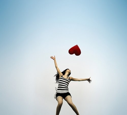 )))Palabras con un destino...((( Heart,girl,sky,love,jump,photography-46f0bb6a3d7f5572ef526ea0f5f41d05_h_large