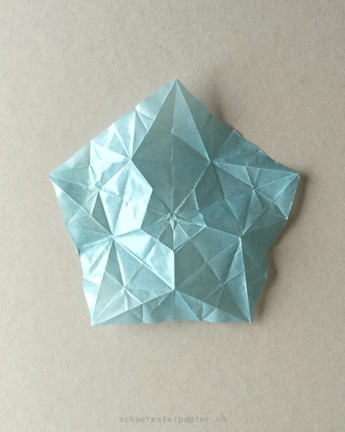 schaeresteipapier neues papier f r den origami stern. Black Bedroom Furniture Sets. Home Design Ideas