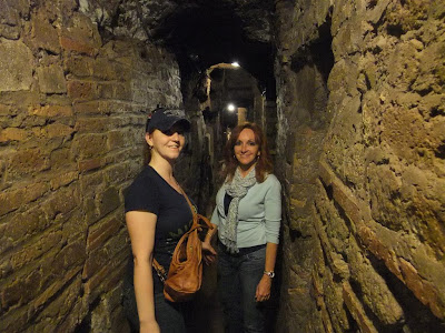 group tour, catacomb, rome italy