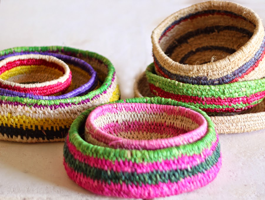 Basket Weaving Aboriginal : Sisters of craft tjanpi desert weavers
