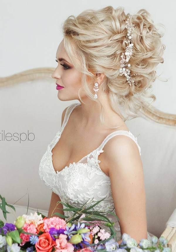 Фото собранных причёсок на свадьбу