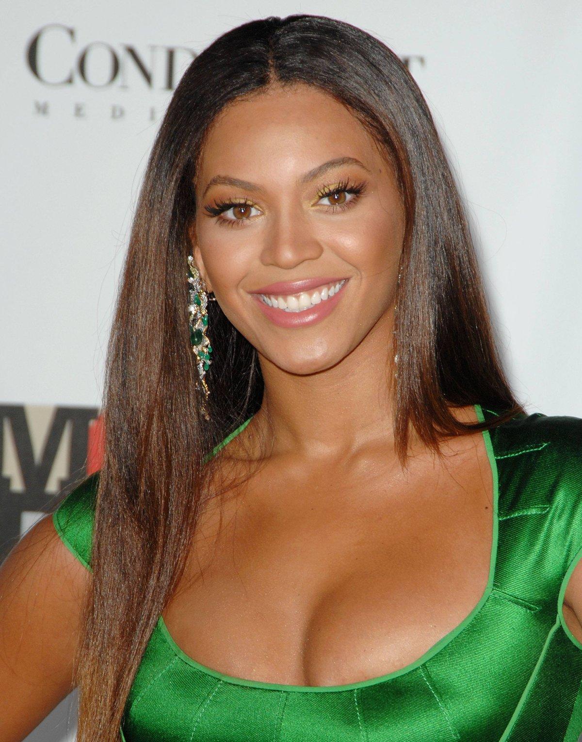 http://2.bp.blogspot.com/-FMK8vTA54wE/T9RNymf-iHI/AAAAAAAAAeo/c5Pw-pmUQ1Q/s1600/Beyonce+Knowles+5.jpg