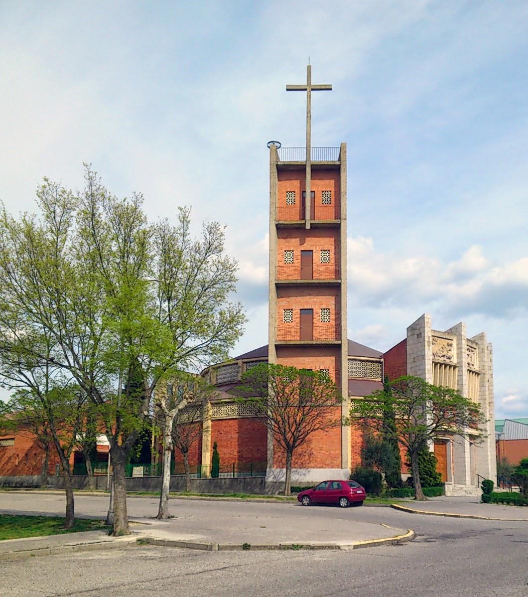 Iglesia del carmen arquitectura eclesi stica comtempor nea en segovia sf23 arquitectos - Arquitectos en segovia ...