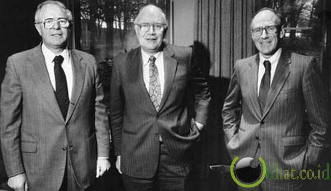 James,Arthur Dan John Irving - 3,6 Juta Hektar (ha)