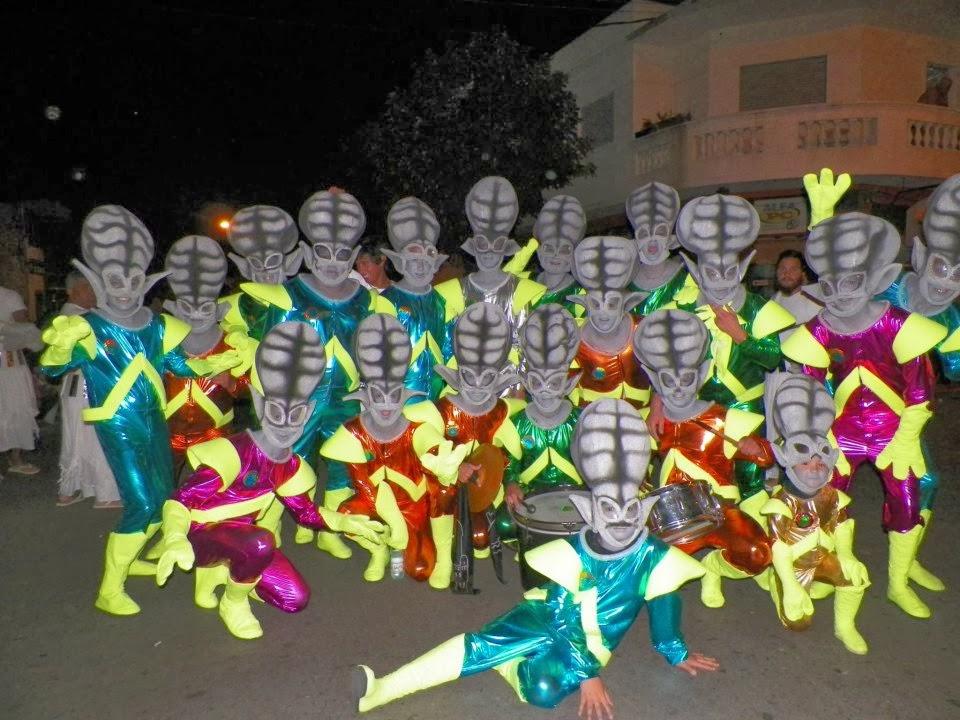 Marcianos, en la previa del desfile...