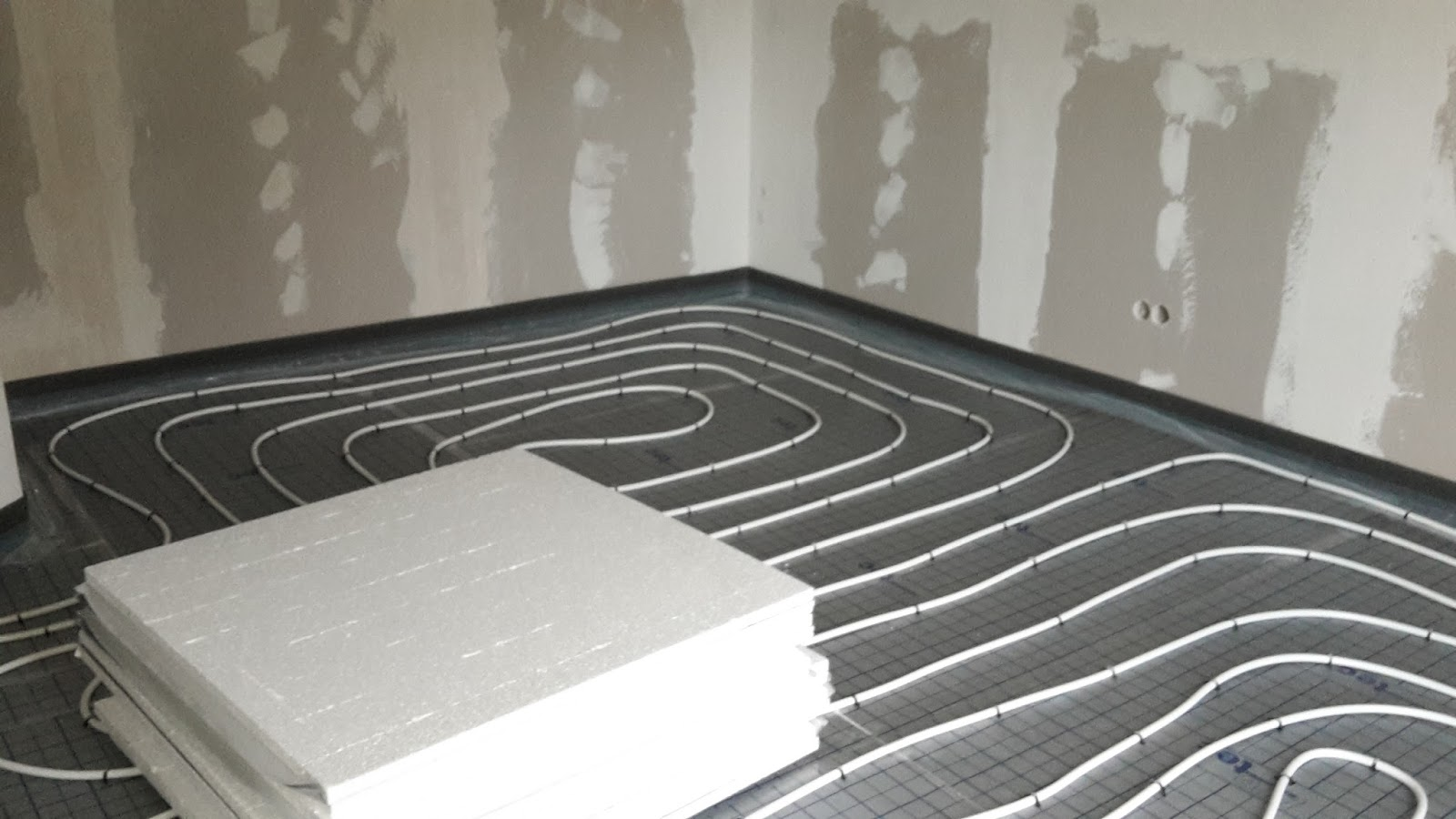 abenteuer ausbauhaus fu bodenheizung dg. Black Bedroom Furniture Sets. Home Design Ideas