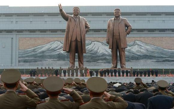 Monumen Kim Il-sung dan Kim Jong-il