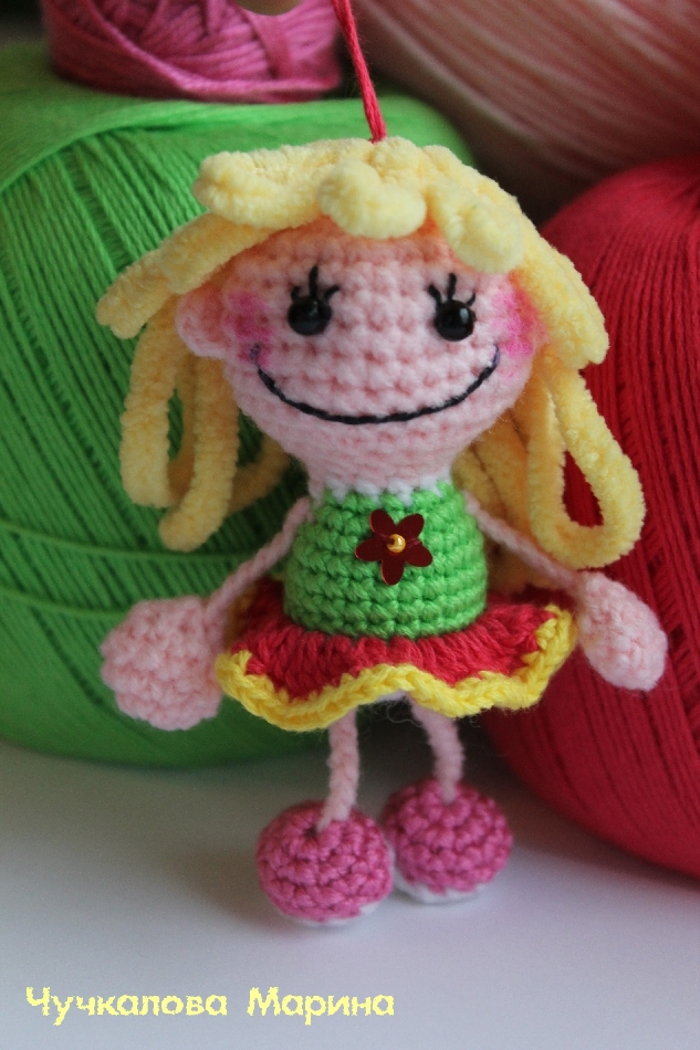 кукла брелок подвеска описание