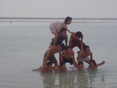 beach tidung island (area jembatan cinta)