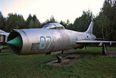 Перехватчик Су-9 из музея авиации ПВО на авиабазе Саваслейка