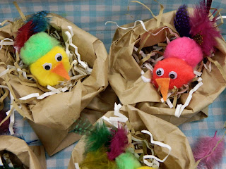 Jenni can knit also makes little chicks out of pompoms feathers felt